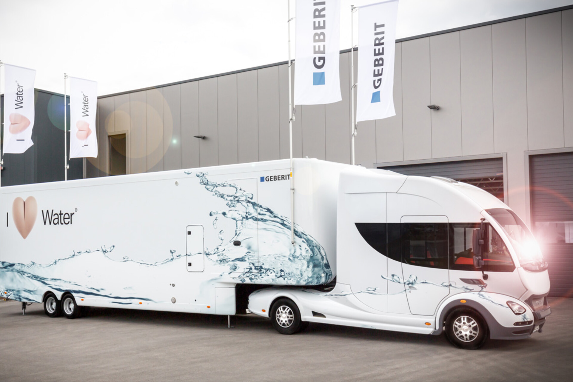 geberit-aquaclean-infomobil-showtruck-7.jpg